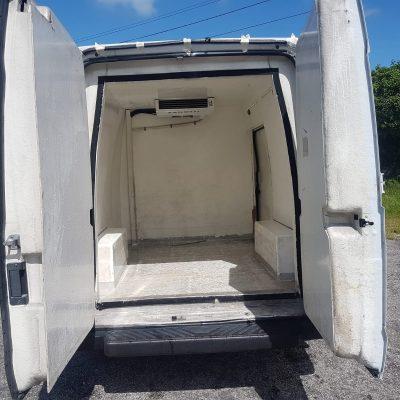 furgoneta frio